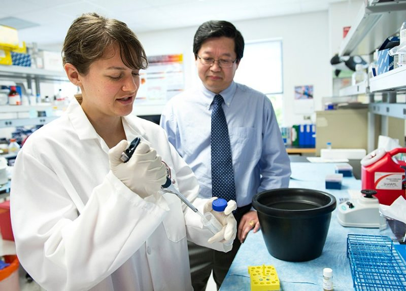 XJ Meng and lab member